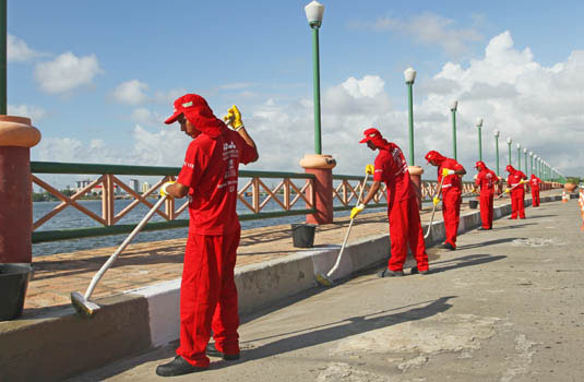 Limpeza urbana em Recife - PE.