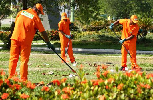 Limpeza urbana em Vila Velha - ES.